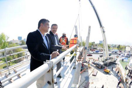 Registra Puente Peatonal Atirantado 80 por ciento de avance