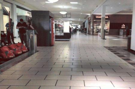 Comercios de McAllen sufren; esperan repunten ventas 'gracias a regios'