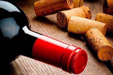 Cinco beneficios del vino tinto