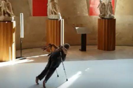 Bailarina con discapacidad sorprende en el Museo del Prado