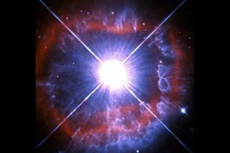 Captan imagen de estrella en plena metamorfosis