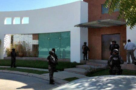 Catean casa de suegros de Duarte en Chiapas; no hallan a ex gobernador