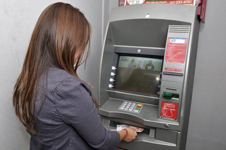 ¿Cómo defenderte cuando un cajero automático no te entrega tu dinero?