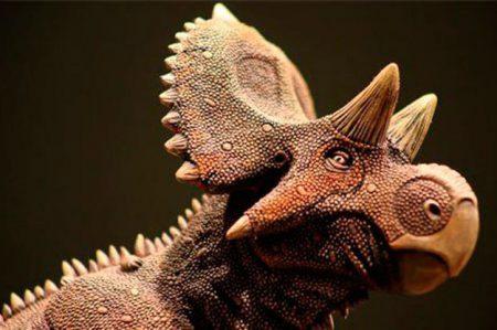 Hallan nueva clase de dinosaurio