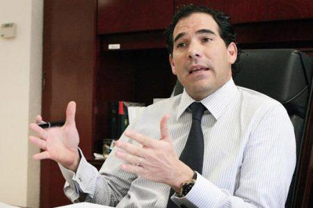 Presidente del Senado acusa a AMLO de victimizar narcotraficantes