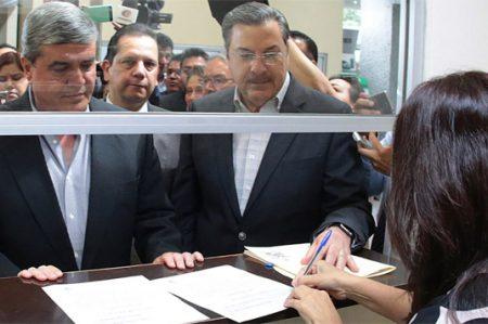 Propone Estado a Bernardo González como Procurador