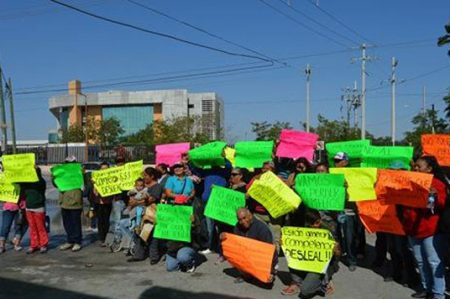 Protestan por gasolinazo