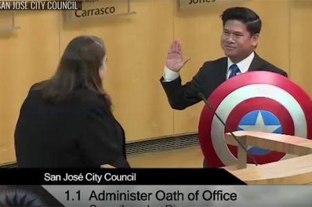 Concejal de California juró al cargo como Capitán América (VIDEO)