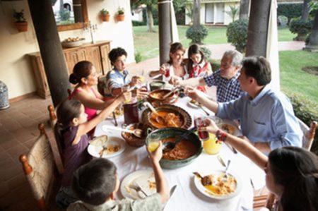 'Comer en Familia' impulsa el desarrollo de 10 mil familias mexicanas