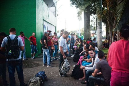 Migrantes cubanos continúan protesta en Chiapas