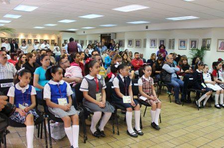 Abandera NL a participantes en Décimo Parlamento de México