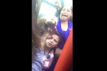 Mujeres protagonizan pelea campal en la Ecovía por un asiento