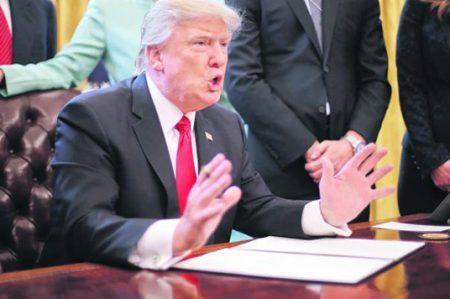 Congelaron el veto migratorio de Trump ¿qué sigue?