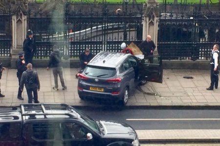 Confirman una mujer muerta y una docena de heridos por atentado en Londres (FOTOS/VIDEOS)