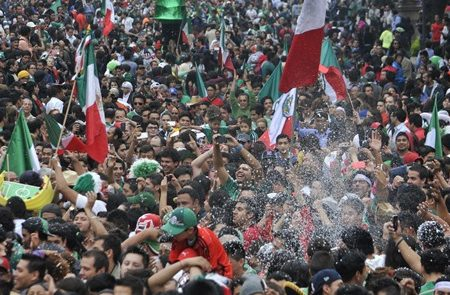 Mexicanos, segundo lugar en felicidad