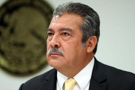 Morón pide a Escudero reconocerlo como coordinador del PRD
