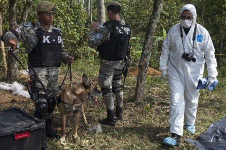 Diputados exigen a PGR atraer caso de fosas clandestinas en Veracruz