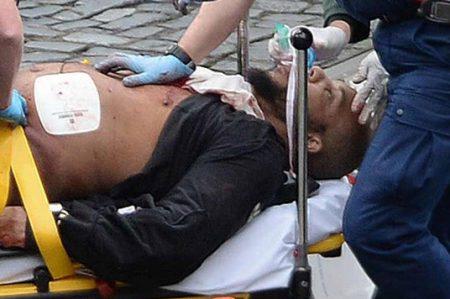 Cuatro personas muertas por atentado terrorista en Londres; entre ellos el atacante