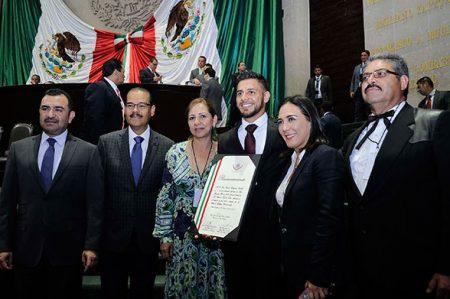 'Pantera' Rodríguez recibe reconocimiento como Deportista Mexicano