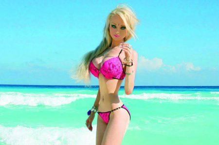 Barbie humana genera polémica por quererlos perfectos