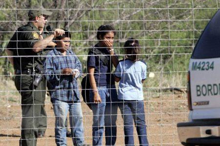 Niños latinos que cruzan a Estados Unidos, en documental de Discovery