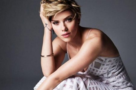 Scarlett Johansson llama cobarde a Ivanka Trump