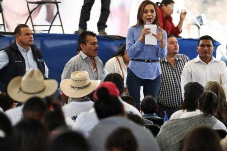 Vázquez Mota ofrece limpiar las policías del Edomex