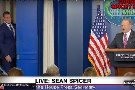 Jugador de Los Patriotas se cuela en conferencia de prensa de la Casa Blanca (VIDEO)