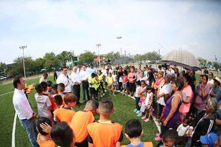 Entrega Francisco Cienfuegos unidad deportiva y recreativa