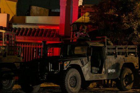 Ejército desmantela laboratorio y asegura arsenal en Sinaloa