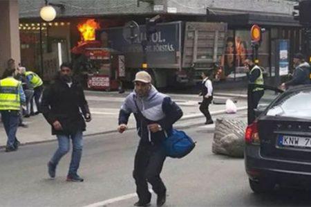 Tres muertos deja ataque terrorista en el centro de Estocolmo