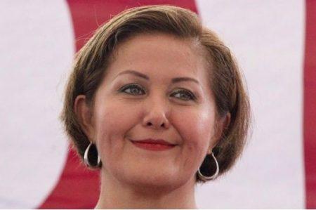 PRI en el Senado pide investigar a Eva Cadena por lavado de dinero