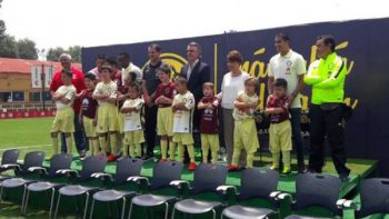 América presenta equipo de niños con Síndrome de Down