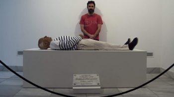 Invitan a tomarse una selfie con 'cadáver' de Picasso