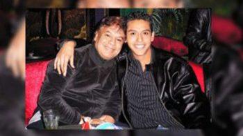 Iván Aguilera, hijo de Juan Gabriel, demanda a su hermano y a Telemundo