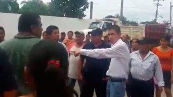 Diputado del PAN amaga a indígenas en Oaxaca (VIDEO)