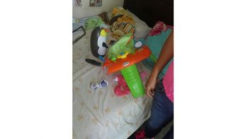 Rescatan a bebé atorado en un andador en Escobedo