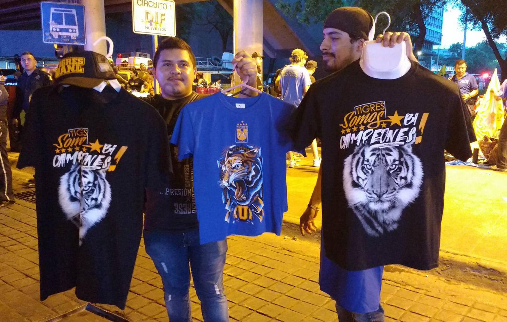 Andrea Jimenez Desnuda afecta a comerciantes ambulantes derrota de tigres
