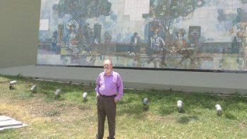 Gerardo Cantú reconstruye su mural en Paseo Santa Lucía