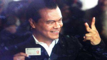 Juan Zepeda emite su voto en Nezahualcóyotl