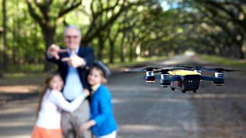 Llega a México el primer dron que se controla con las manos