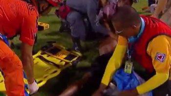 Un herido grave tras una pelea de hinchas en el futbol brasileño