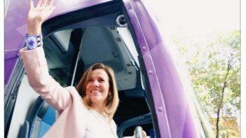 Margarita Zavala recibe constancia del INE para recabar firmas