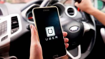 Suspende Uber actividades en Cancún; celebran taxistas