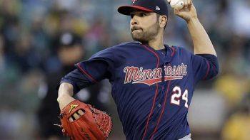 Firma Jaime García con los Yankees