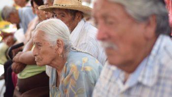 Mexicanos esperan jubilarse después de los 65 años, señala encuesta