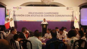Reconoce Gobierno Ciudadano a deportistas de Centros Comunitarios