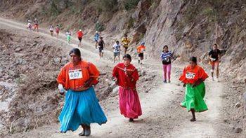 Corredores rarámuris y extranjeros acudirán a Ultra Maratón en Chihuahua