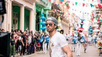 Enrique Iglesias estrena versión en inglés de su éxito 'Súbeme la radio'