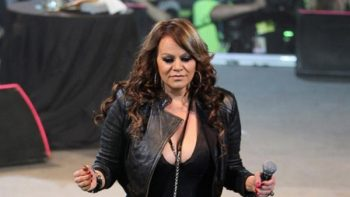 Pedro Rivera exhorta a ver sólo la versión de Telemundo sobre Jenni